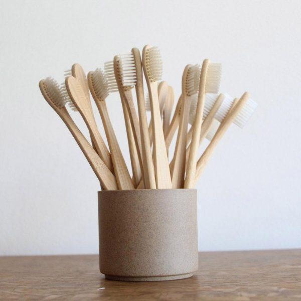 bàn chải tre 4 - bàn chải đánh răng bằng tre - Vẽ Chibi cute đơn giản