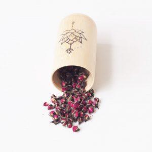 Trà hoa đậu biếc, trà hoa hồng: Bí kíp làm đẹp đơn giản tại nhà trong mùa Covid